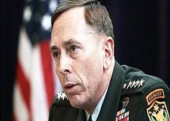 بترايوس يؤيد ضرب داعش ويحذر من أن تصبح أمريكا قوة جوية للشيعة