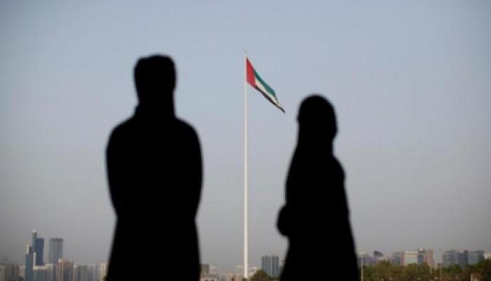 القبض على مواطن حر في الإمارات من الألف إلى الياء ... الحلقة الأولى: «إلى أبوظبي »!