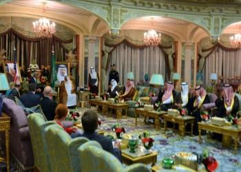 صورة تشرح علاقة الولايات المتحدة بالسعودية