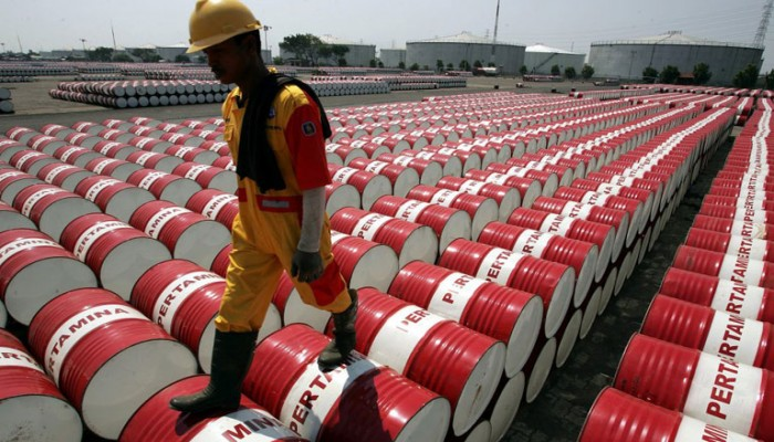 الكويت تشحن مليونيّ برميل من النفط الخام لمصر شهريا لتيسير صادراتها إلى أوروبا