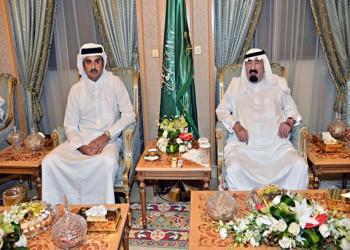 """أمير قطر حريص على إنهاء الأزمة الخليجية .. والعاهل السعودي """"غير مقتنع"""""""