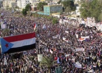 """الحراك الجنوبي يطالب حكومة """"اليمن الشقيق"""" بسحب موظفيها وقواتها ويلوح بوقف تصدير النفط"""