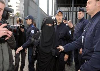 طرد امرأة خليجية من قاعة الأوبرا بباريس بسبب «النقاب»