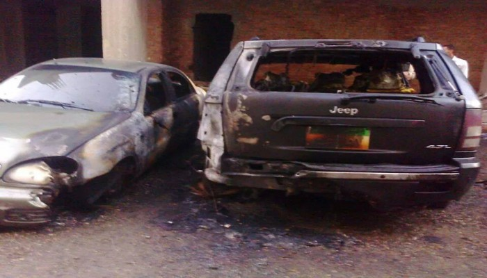 مجهولون يحرقون سيارتين للقنصلية السعودية بمصر