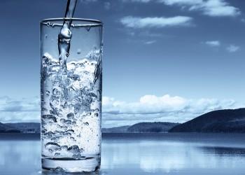 بزنس تحلية المياه في الإمارات يدر الملايين من الأرباح على المنتجين والوافد الخاسر الأكبر!