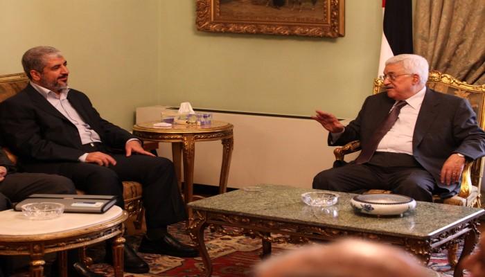 """هل تتقارب """"حماس"""" ودحلان ضدّ عبّاس؟"""