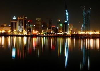 أمر ملكي بحظر الخمور والمراقص في فنادق البحرين