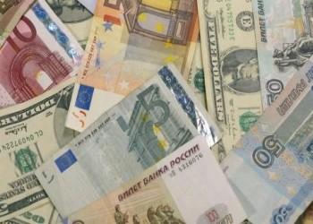 صعود الدولار وتراجع عملات الاقتصادات النفطية لمستويات متدنية جديدة جراء قرار أوبك