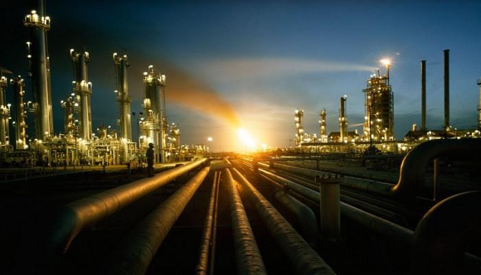 المقامرة بأسعار النفط تنذر بزيادة الاضطرابات في الشرق الأوسط