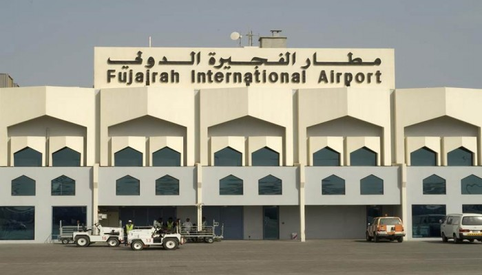 الإمارات تعتقل 3 بريطانيين لقيامهم بـ«مراقبة طائرات مدنية» بمطار الفجيرة