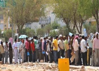 «الاندبندنت»: ظروف العمال في أبوظبي «عار» على جبين الإمارات