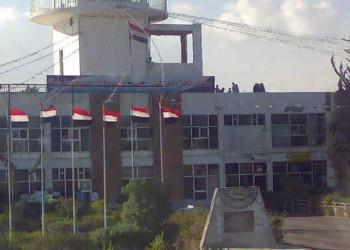 الحوثيون على باب المندب: الميليشيات تسيطر على مطار تعز وأجزاء من المدينة