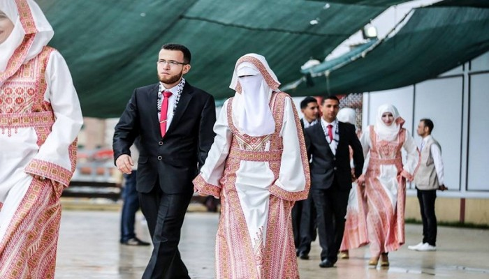 زوجة «دحلان» ترعي حفل زفاف جماعي في غزة بتمويل إماراتي