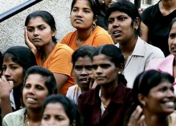 الهند توقف إرسال عمالتها للسعودية اعتراضا على ضعف الرواتب