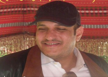 نجل شقيق «صالح» يغادر إلى الإمارات بعد تحقيق للجزيرة أكد دعمه للقاعدة