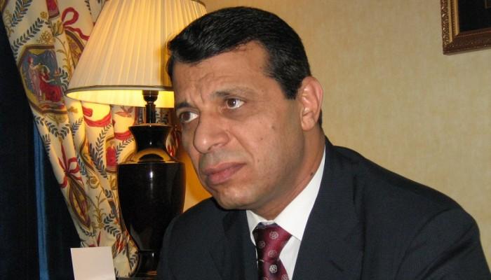 صحيفة: «بن زايد» كلف «دحلان» بدعم «هادي» لاستهداف «الحوثيين» و«الإخوان» في اليمن