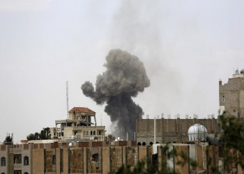 «التحالف العربي» يقصف مواقع «الحوثيين» بصنعاء وتعز