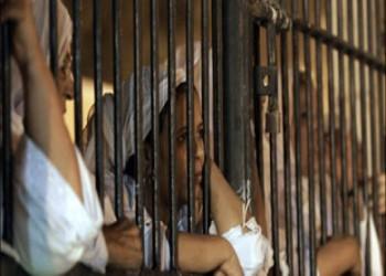 يوم مناهضة العنف ضد المرأة: المعتقلات السياسيات العربيات يكتبن الحياة