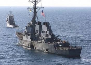 سفن التجارة تواجه مخاطر جديدة قبالة اليمن بعد استهداف قطع حربية