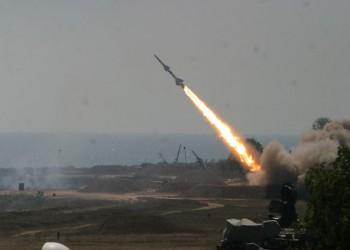 الحوثيون يطلقون صاروخا على نجران.. والسعودية تعترضه