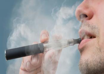دراسة: السجائر الإلكترونية تهدد مدخنيها بالإصابة بـ«سرطان الفم»