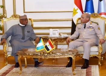 """مصر ونيجيريا تبحثان التعاون في مجال """"تصنيع المعدات العسكرية"""""""