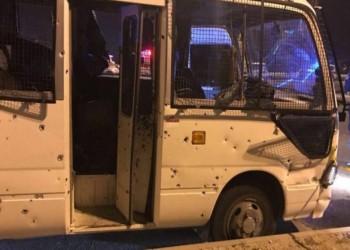 البحرين: توقيف أحد مهاجمي حافلة الشرطة وفرار شريكه لإيران