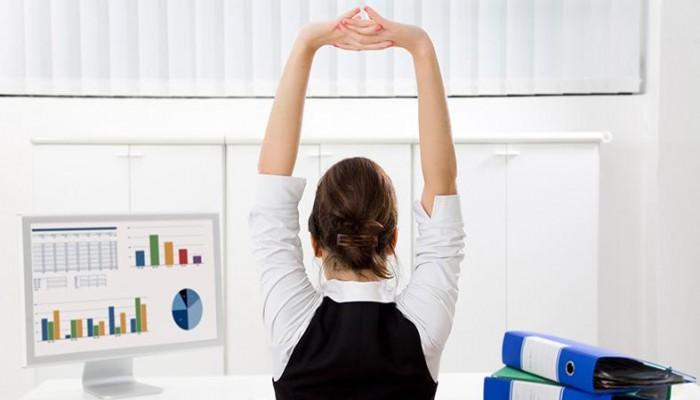 بالخطوات.. كيف يمكنك إنقاص وزنك أثناء دوام العمل؟