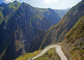 طاجيكستان تتيح للخليجيين الحصول على تأشيرتها في المطار