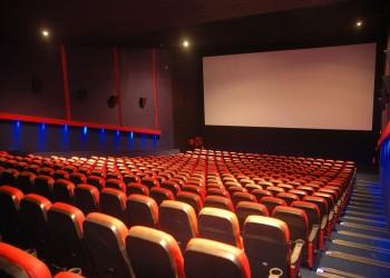 دعوات قطرية لمقاطعة دور سينما تديرها شركات بحرينية بالدوحة