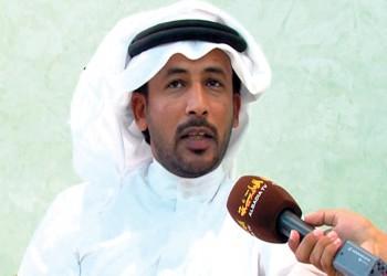 عائلة «شاعر المليون» تنفي مزاعم سحب قطر جنسيته