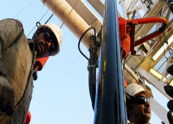 الكويت تخفض إنتاجها النفطي بمعدل 131 ألف برميل