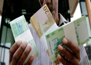 السودان يخفض عملته إلى 30 جنيها للدولار الواحد