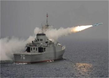 البحرية الإيرانية تزود سفينة حربية بمنظومة دفاعية جديدة