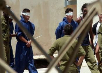 جهاز إسرائيلي يهدد الأسرى الفلسطينيين بحملة قمع عنيفة