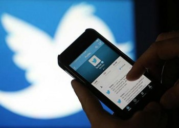 السجن وغرامة مالية لسعودي دعا لإسقاط «الولاية عن المرأة» عبر «تويتر»