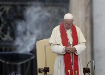 """مسؤول سابق بالفاتيكان: البابا """"فرنسيس"""" علم بانتهاكات جنسية بالكنيسة"""