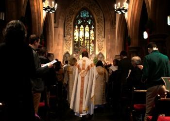 بيت لحم تحيي قداس الميلاد.. وبابا الفاتيكان يحذر من المادية