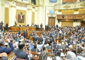 لجنة برلمانية مصرية تفرض غرامات على المفتين دون ترخيص