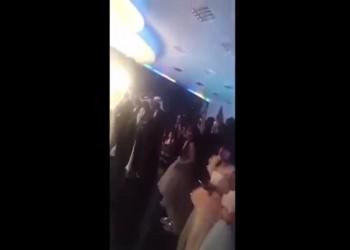 فيديو.. رجال يرقصون في صالة للنساء خلال حفل زفاف بسكاكا