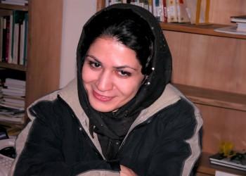 «الخليج لحقوق الإنسان» يطالب إيران بإطلاق سراح الناشطة «بهاره هدايت»
