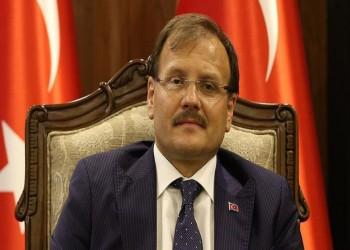 نائب رئيس الوزراء التركي يصل إلى الصومال