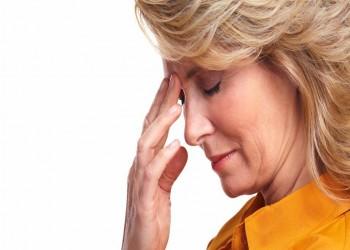 الفيتامينات اللازمة للمرأة لمرور آمن بعد انقطاع الطمث