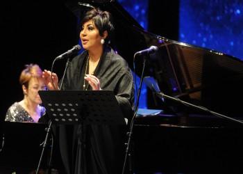 شاهد .. أول مغنية أوبرالية كويتية تقدم «بوتشيلي» في الخليج