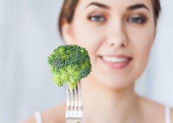 ما هي الأطعمة التي تنظم هرمونات الجسم لدى السيدات؟