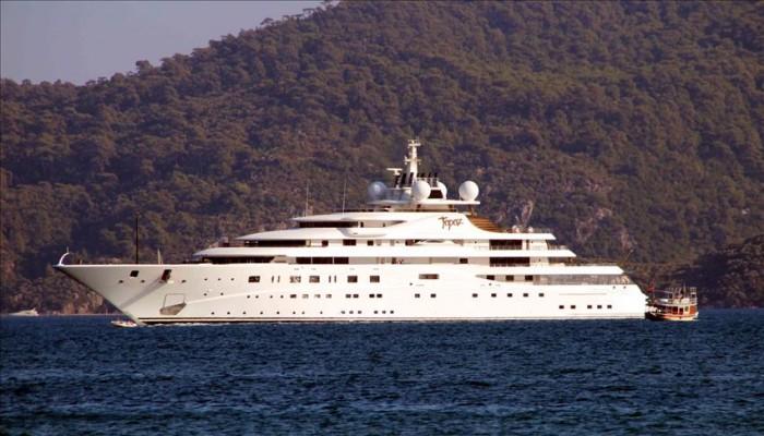 يخت شيخ إماراتي يملك «مانشستر سيتي» يتزود بوقود من تركيا قيمته 340 ألف دولار