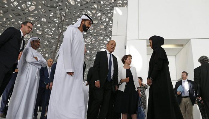 """""""محمد بن زايد"""" و""""لودوريان"""" يبحثان العلاقات الثنائية والتعاون المشترك"""