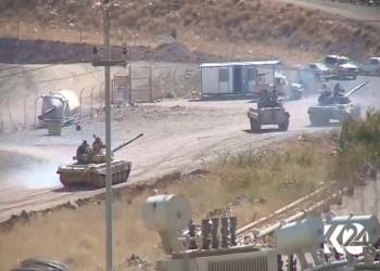 إيران تنشر دبابات ووحدات مدفعية على الحدود مع كردستان