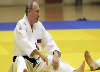 لاعبة جودو تطرح الرئيس الروسي أرضا.. وقرار بحظر نشر الصور