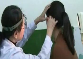 امرأة صينية تصاب بمرض غريب يحرمها سماع صوت الرجال